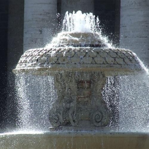 http://www.terralto.it/wp-content/uploads/2017/01/Piazza_San_Pietro_Fontana_lato_nord_55-2-500x500.jpg